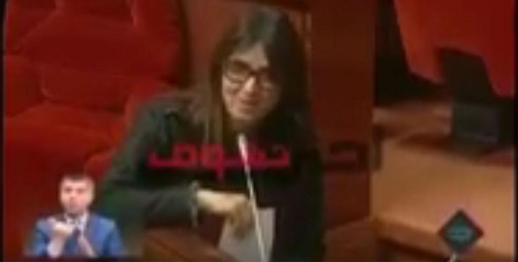 La Secrétaire d'Etat au Tourisme doit elle bien parler arabe ?