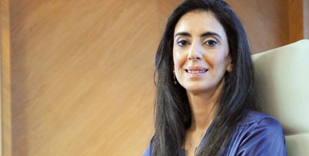 Une femme, ministre du Tourisme !